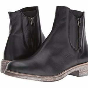 NIB Cordani Parelli Italian Leather Ankle Boot